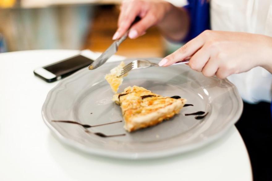 Из чего делают низкоуглеводные торты и пирожные?