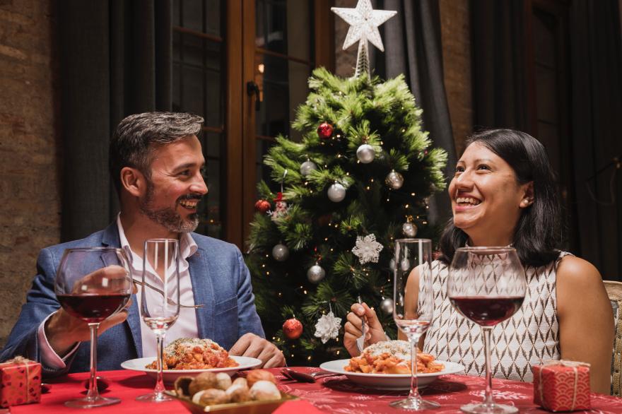 Как выйти после праздничного стола с хорошим сахаром?